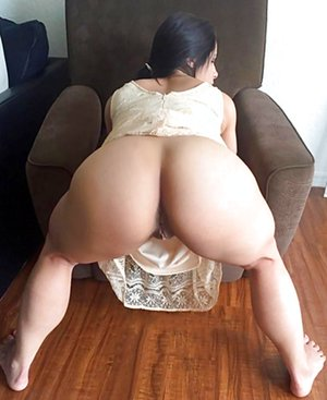 Big Ass Moms Pics